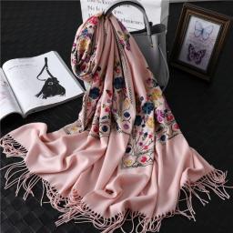 Handgemaakte Cashmere Roze Sjaal Met Kleurijke Bloemen 4 Seizoenen Sjaal